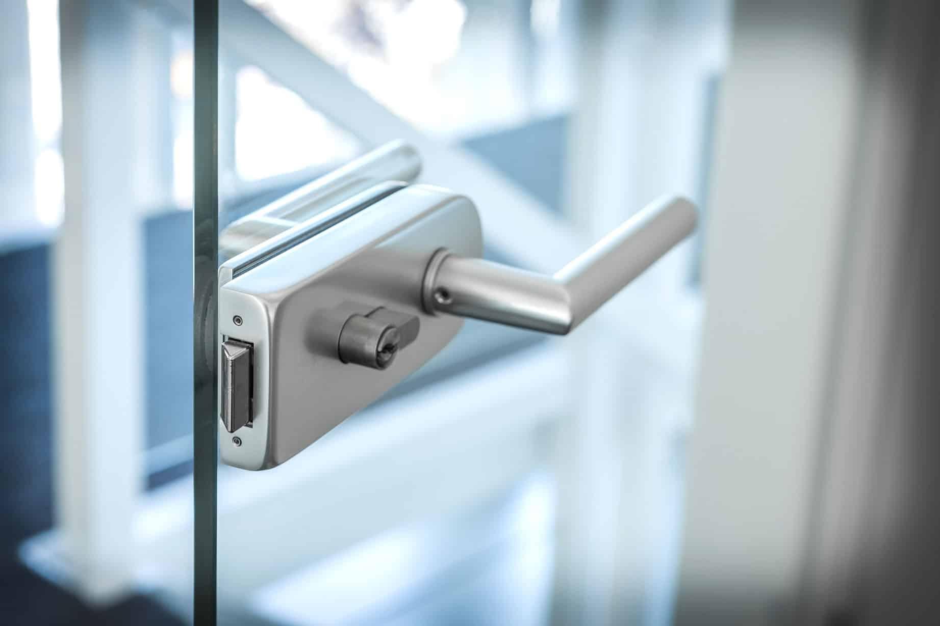Für ein sicheres Zuhause benötigen Sie qualitative Sicherheitsbeschläge. Jetzt direkt vor Ort oder Online anfragen!